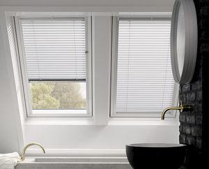 dachfenster jalousie cheap jalousie jalousie aus aluminium liedeco mit bohren freihngend. Black Bedroom Furniture Sets. Home Design Ideas