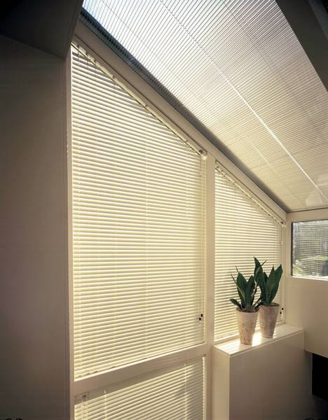 schr gen giebelfenster dekofactory. Black Bedroom Furniture Sets. Home Design Ideas