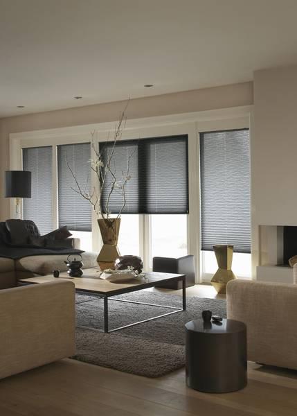 Plissee Wohnzimmer wohnzimmer mit jalousien und gardinen dekofactory