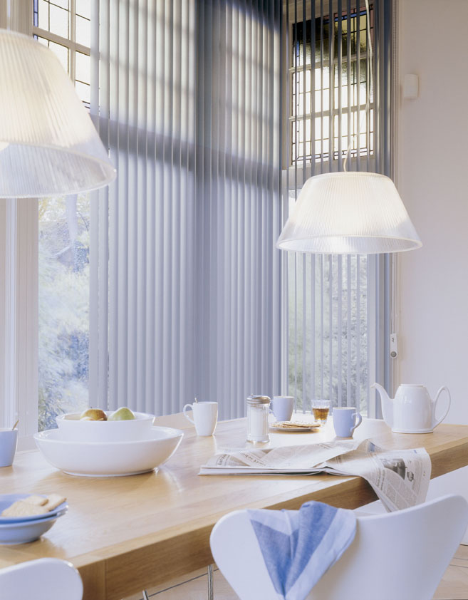 Vertikal-Lamellen in der Küche