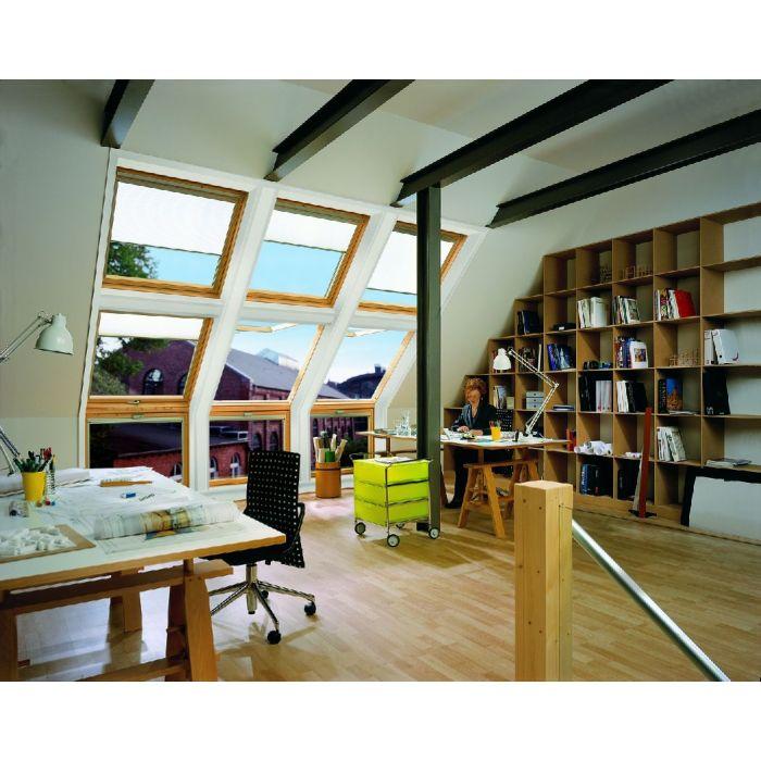 Dachfenster-Kombination mit weißen Elektro Plissees