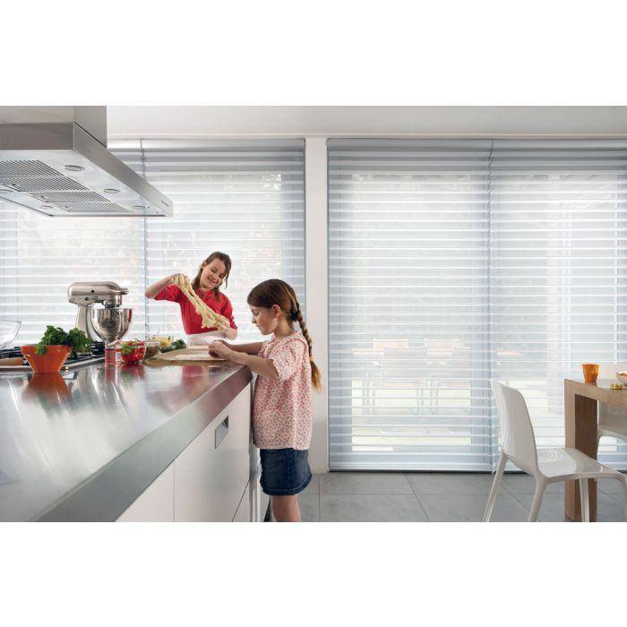 B2 Silhouette Rollo in der Küche