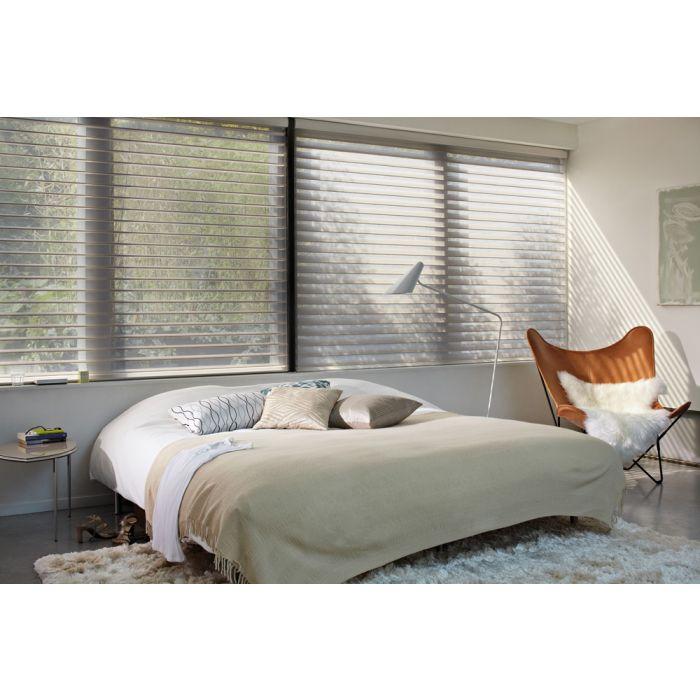 B55 Silhouette Rollo im Schlafzimmer