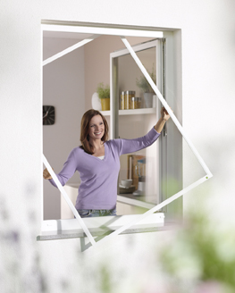 Insektenschutz & Fliegengitter für Fenster und Türen. Produkt aus Aluminium mit Spannrahmen & Gewebe.Dekofactory München ☎ 089-51616700